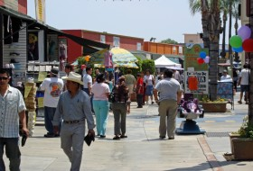 Plaza Del Valle Walking Street